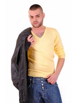 Жълт мъжки пуловер