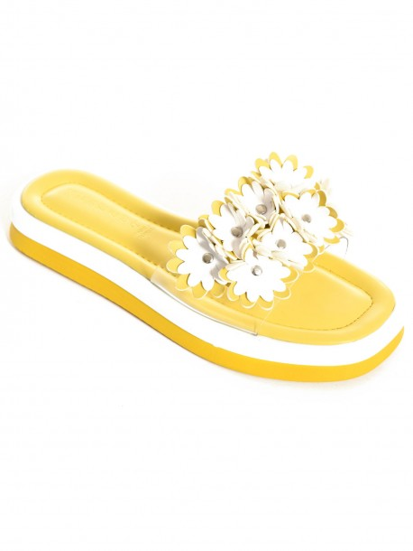 Жълти летни чехли с цветя