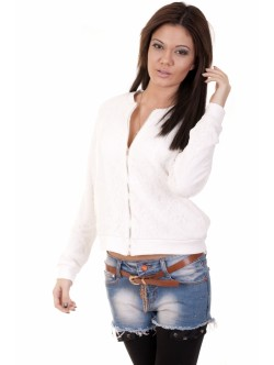 Бяло дантелено яке