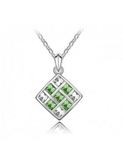 Колие със зелени кристали