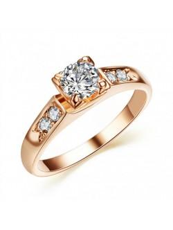 Позлатен пръстен с кристал