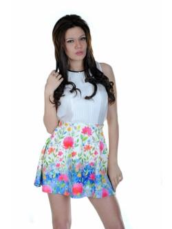 Къса пола с флорални мотиви