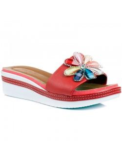 Червени чехли Зоя