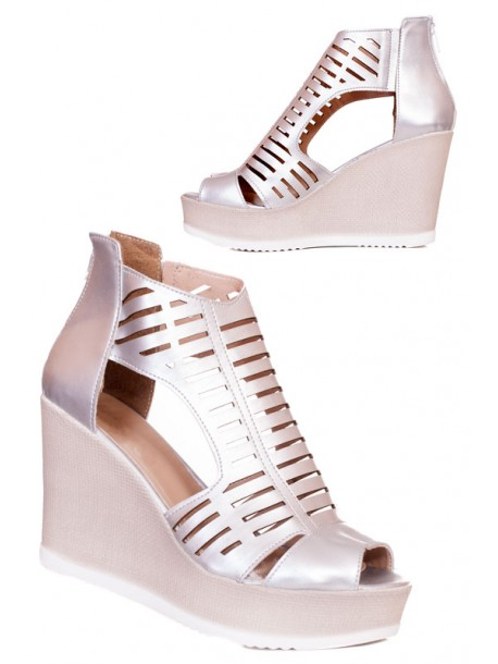 Високи сребристи сандали