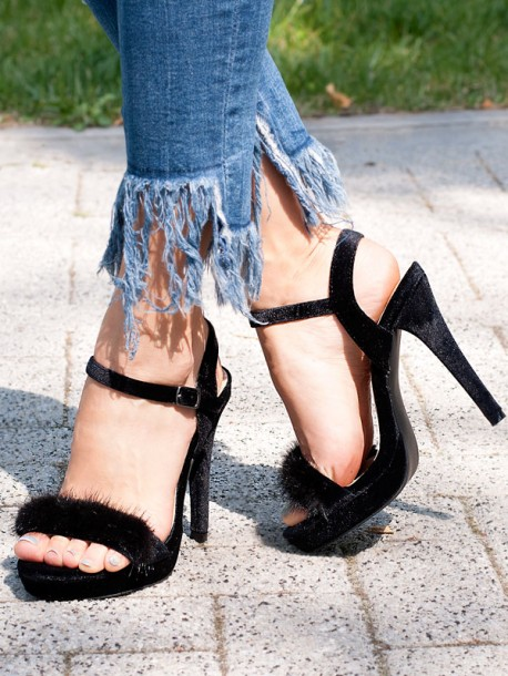 Високи сандали с черен пух