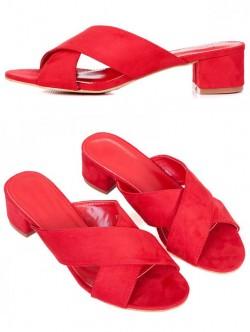 Червени чехли на среден ток