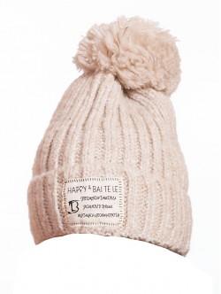 Дамска зимна шапка в цвят шампанско