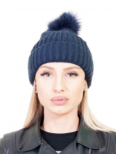 Тъмно синя шапка с помпон