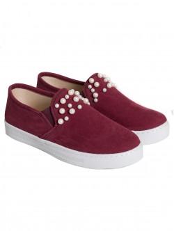 Ниски обувки с перли - бордо