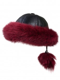 Пухкава шапка от естествена кожа - червена