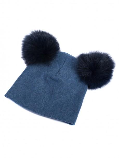 Дамска трикотажна шапка с помпони