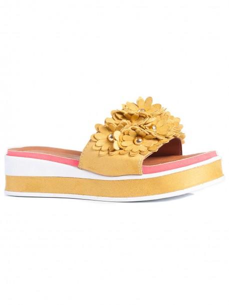 Дамски чехли с удобна подметка - жълти