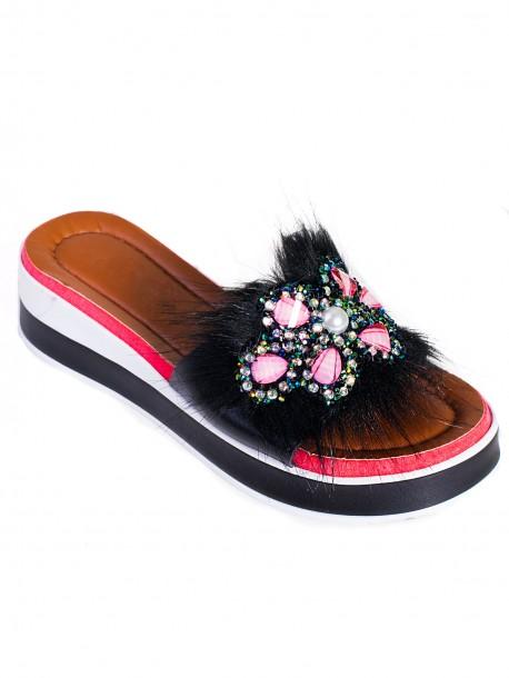 Модерни дамски чехли