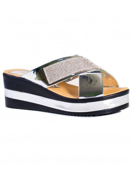 Дамски чехли с декорация в сребрист цвят