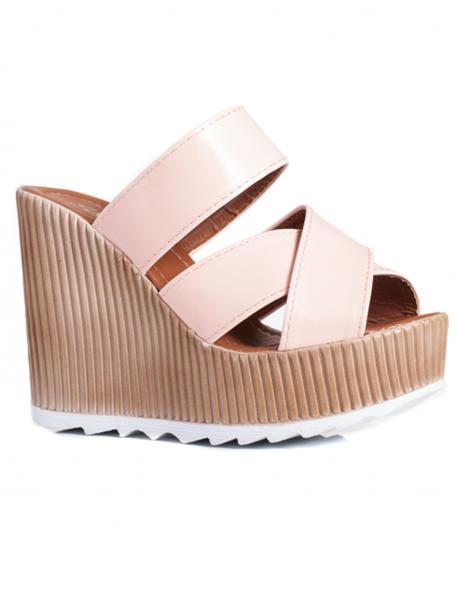 Розови дамски чехли на висока платформа