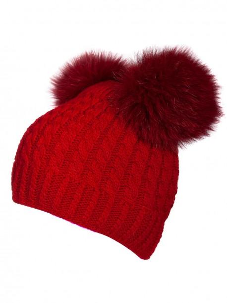 Червена шапка с два помпона