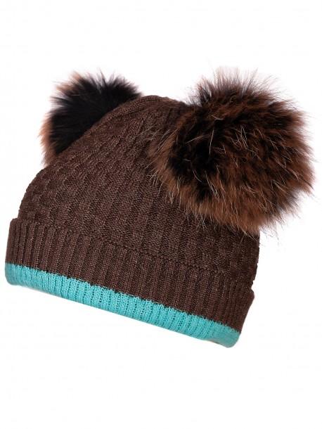 Плетена шапка с помпони