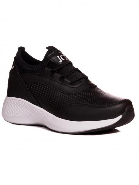 Дамски маратонки в черен цвят с бяла подметка JC