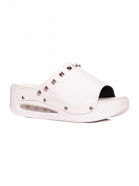 Ортопедични дамски чехли в бял цвят