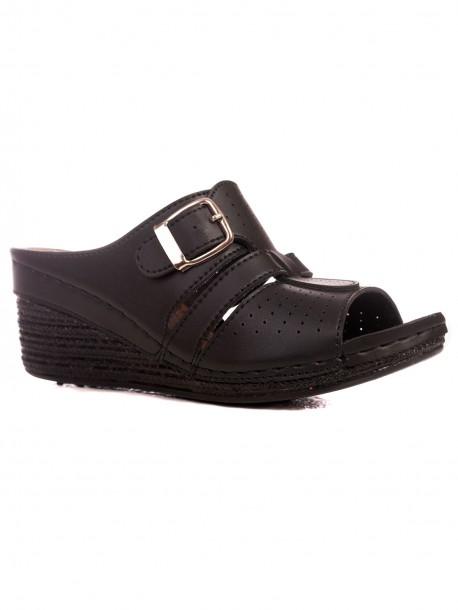 Женски чехли на висока платформа в черно