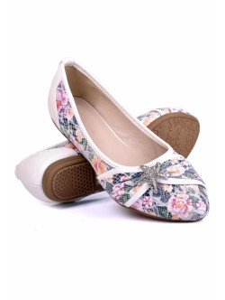 Обувки Звезди бяло